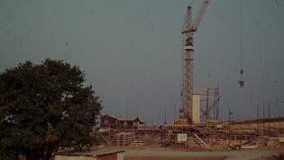 Bau der Grundschule Breitenstein